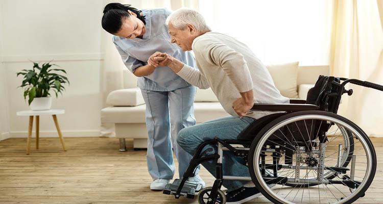 پرستاری از سالمندان ویلچری در منزل